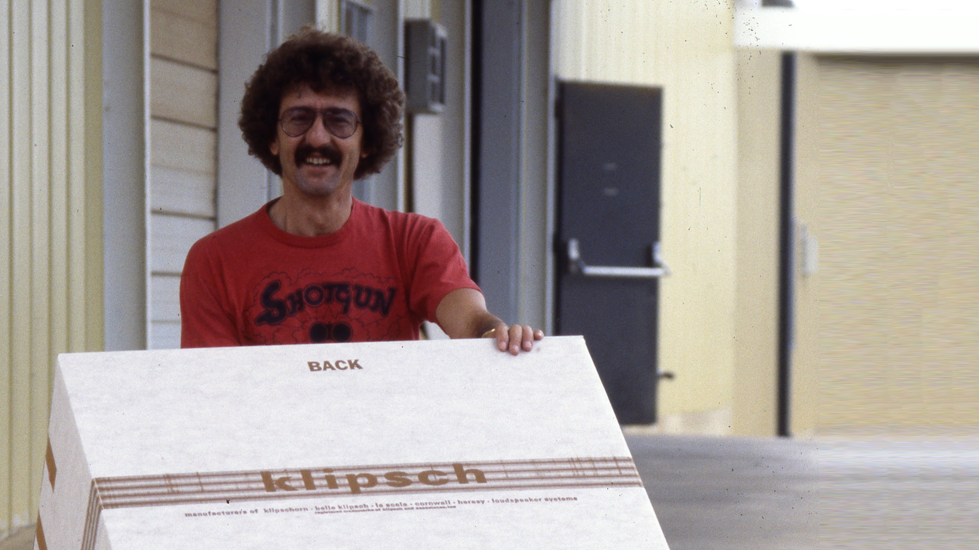 Bob  Moers  Shipping 2001x1125